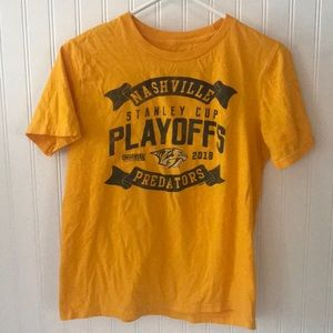 NHL Nashville predators T-shirt. Size large 14/16
